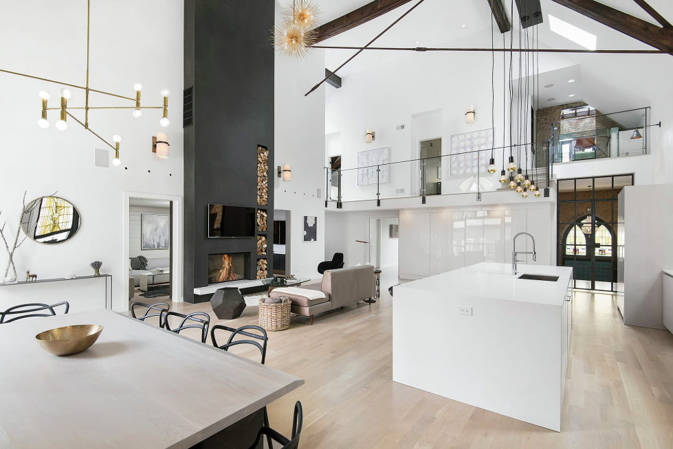 Conversion Of The Former Church Into The House In Chicago 15