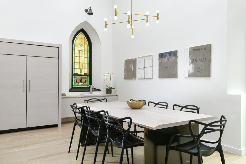 Conversion Of The Former Church Into The House In Chicago 4