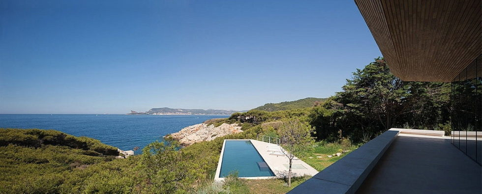 The House In Provence Overlooking The Sea From Bruno Erpicum Partners 15