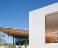 The House In Provence Overlooking The Sea From Bruno Erpicum Partners 8