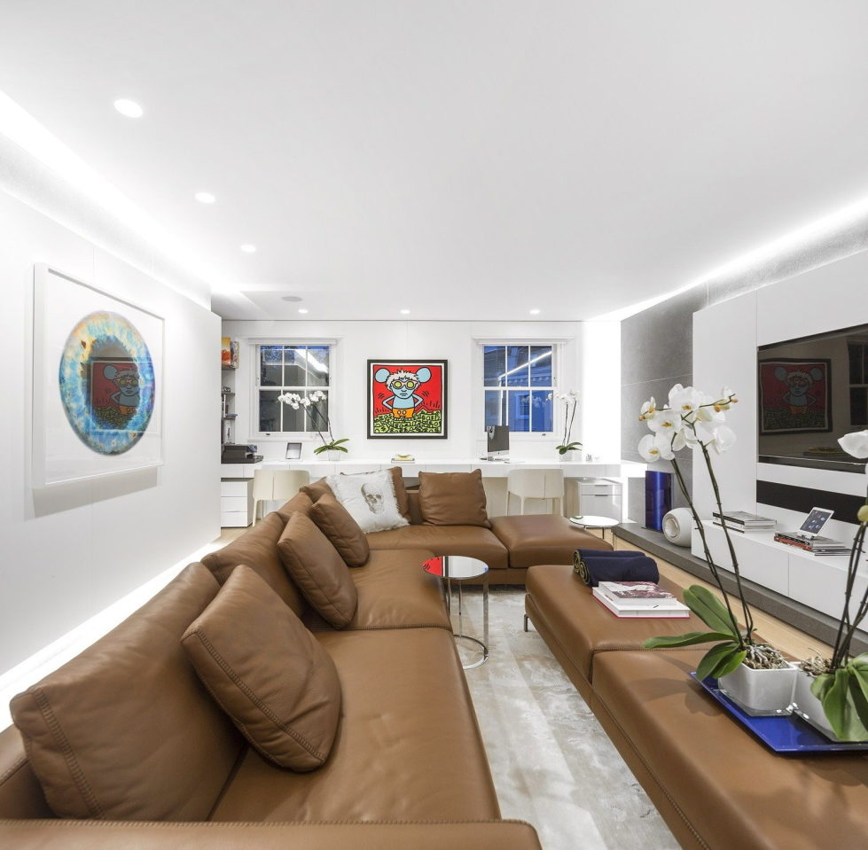 The Three-Storey Penthouse In London 16