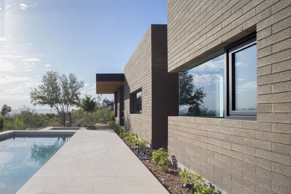 The house on a sandy hill in Arizona 14