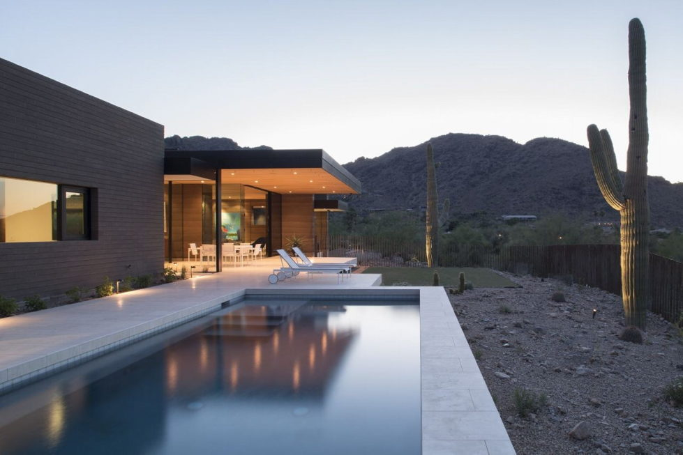 The house on a sandy hill in Arizona 16