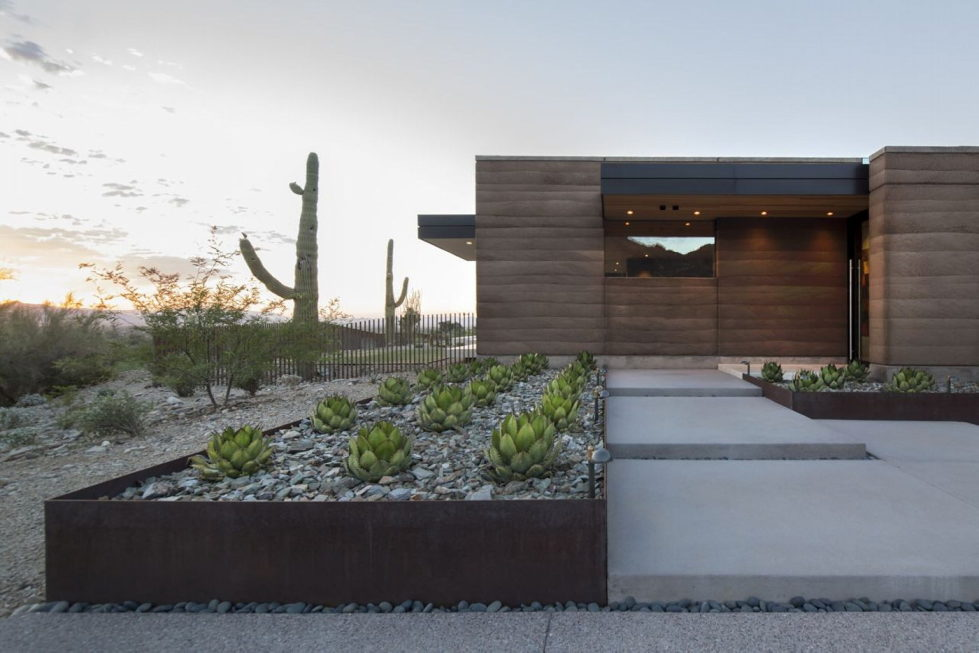 The house on a sandy hill in Arizona 19