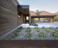 The house on a sandy hill in Arizona 7