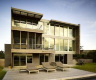 Cove Residence On The Bay Shore From Lomont Rouhani Architects 1