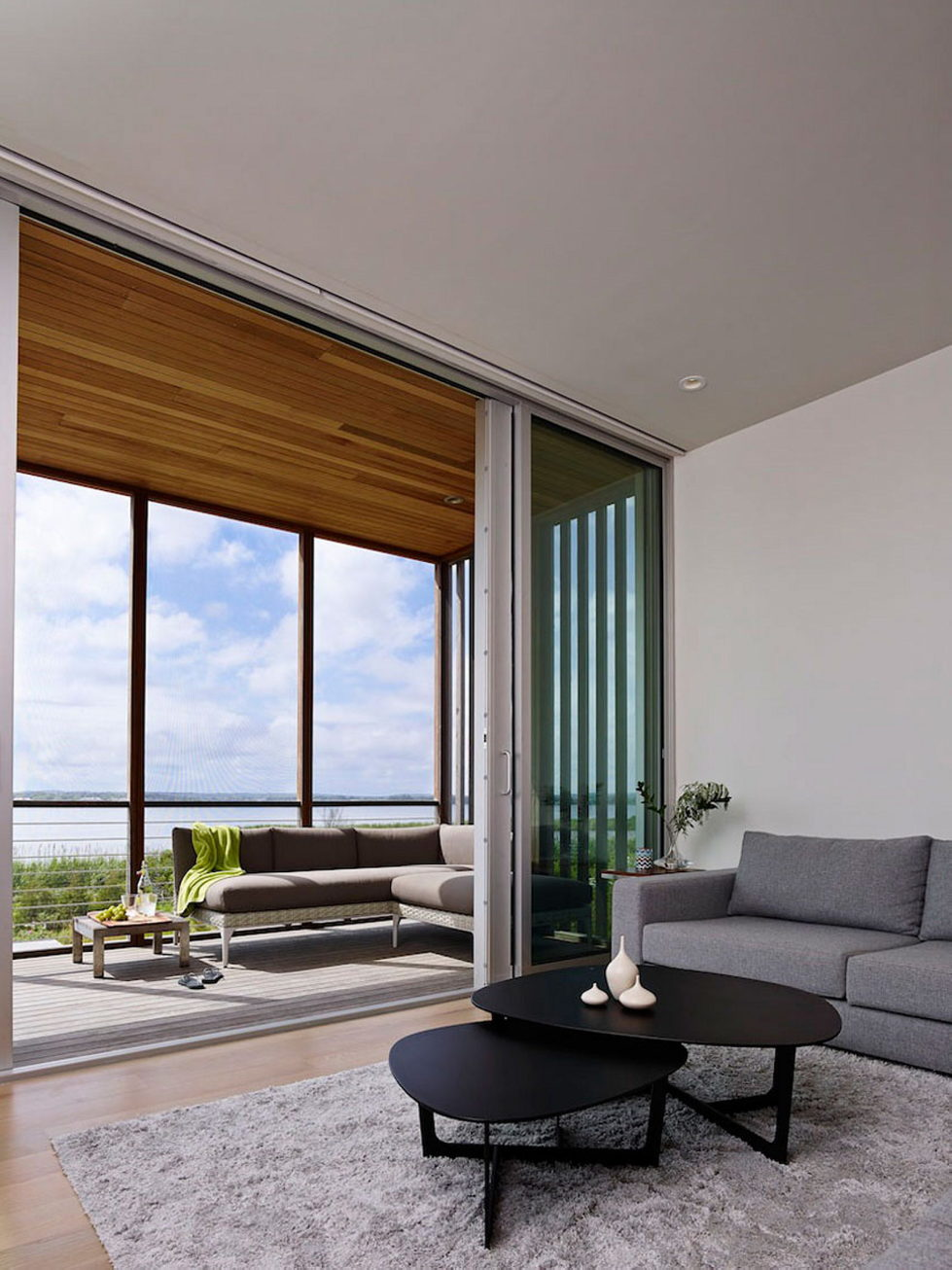 Cove Residence On The Bay Shore From Lomont Rouhani Architects 12