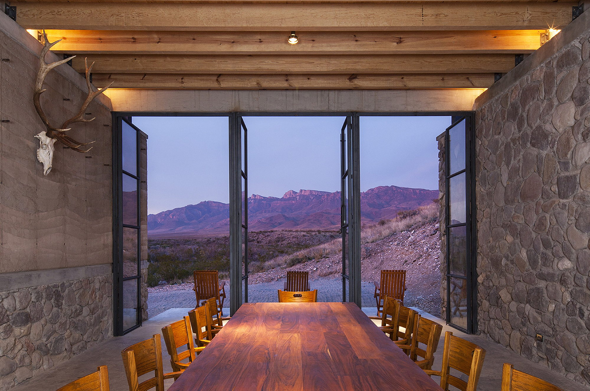 The cave in pilares house in mexico from the greenfield studio - The cave the modern home in the mexican desert ...