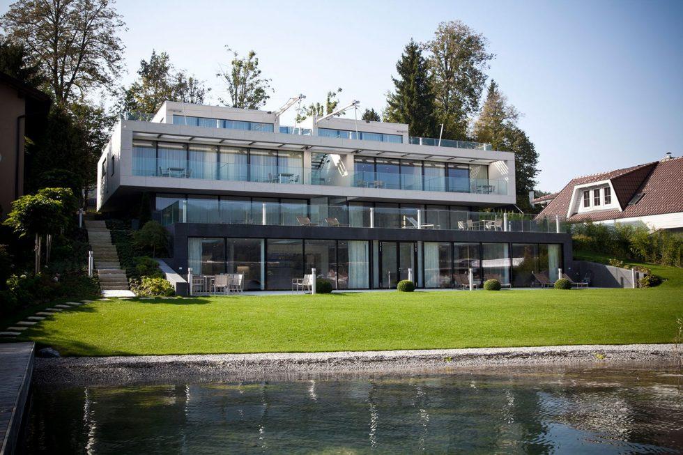 The luxury villa on the lake in Austria 1