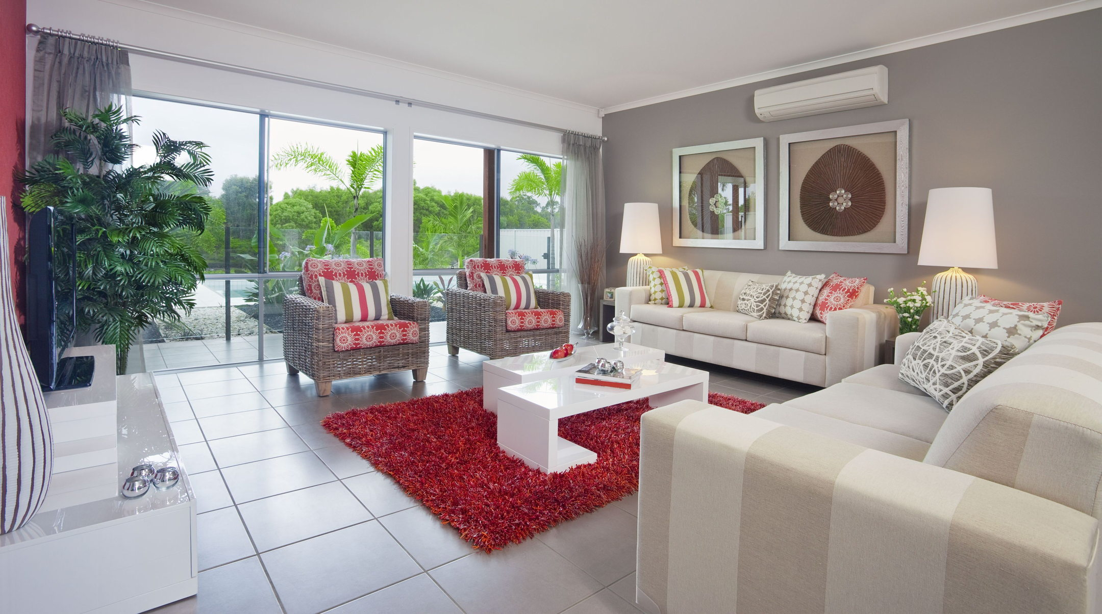 The grey color in the interior and its combinations with other colors - Gray and red living room ideas ...