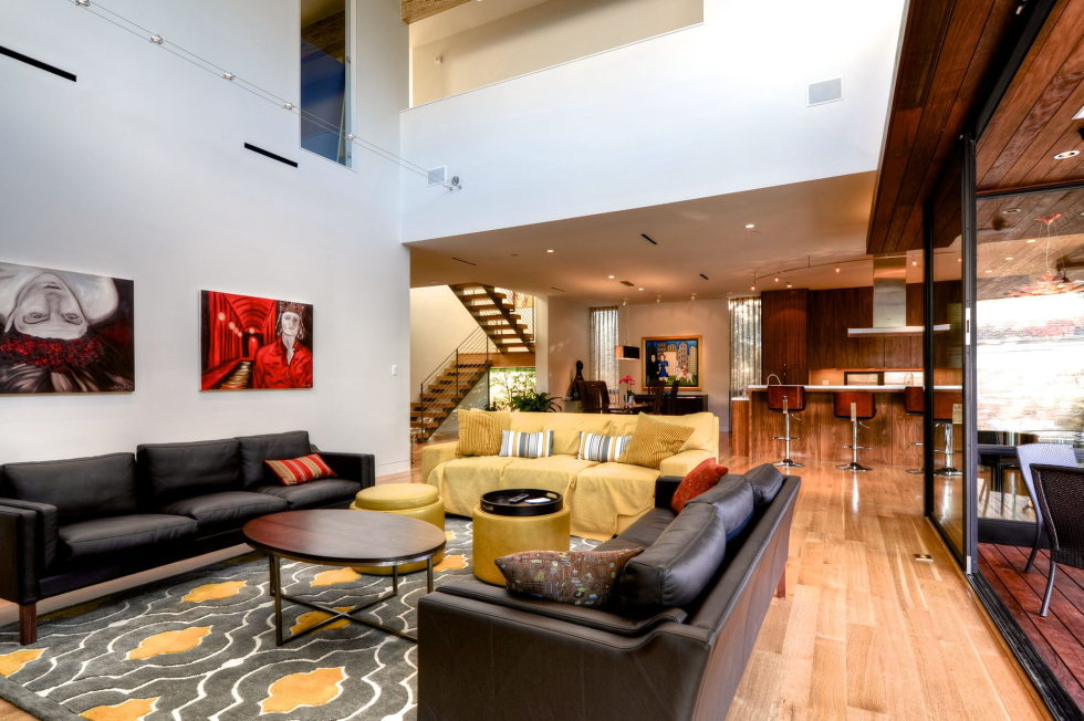 Modern house in houston from architectural firm studiomet for Best interior designer houston