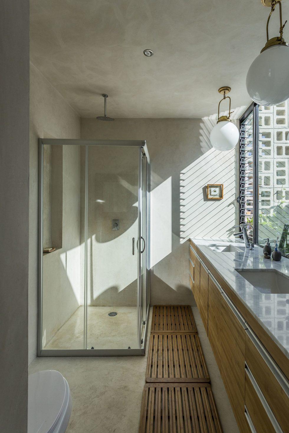 The Glass House In Mexico From Taller Estilo Studio 11