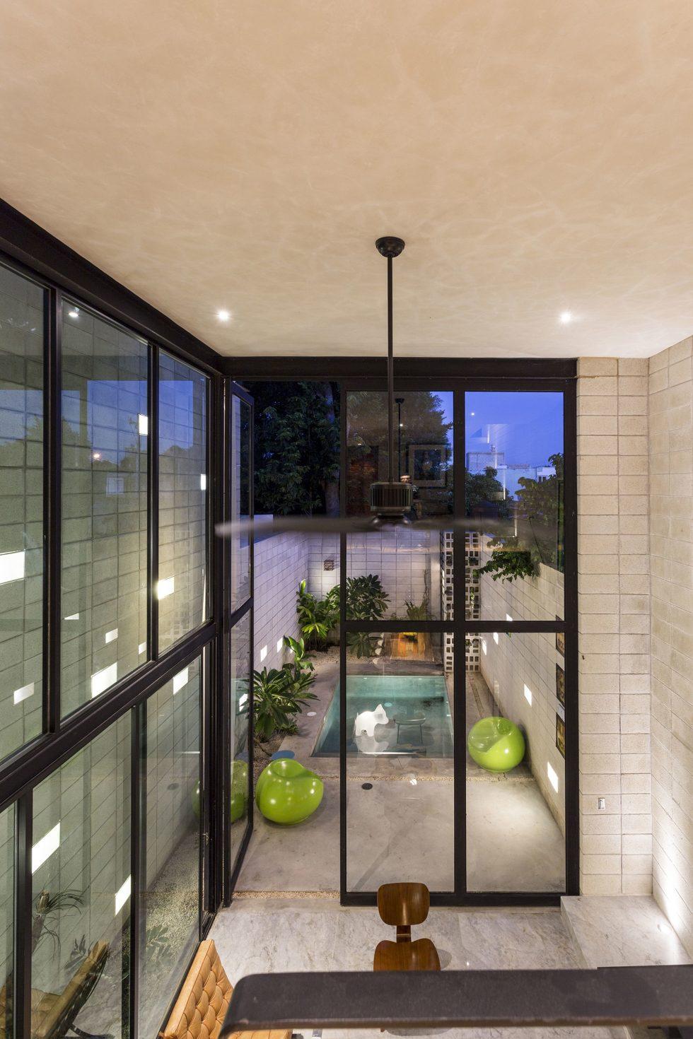 The Glass House In Mexico From Taller Estilo Studio 14