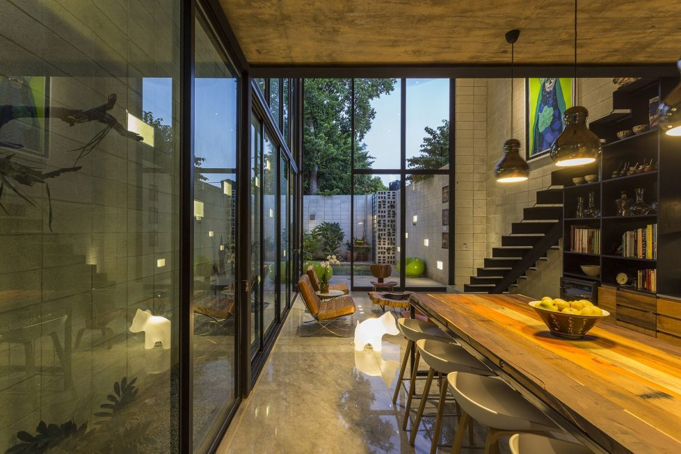 The Glass House In Mexico From Taller Estilo Studio 20