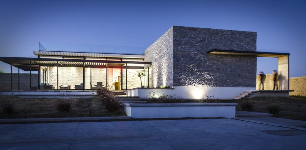 The modern private house La Tomatina house in Aguascalientes, Mexico 19