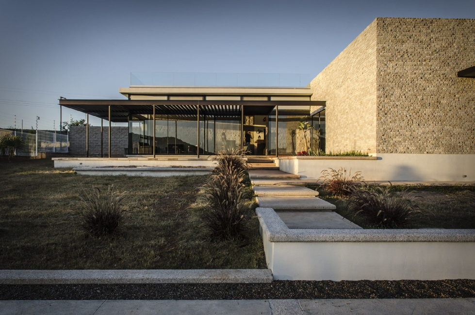 The modern private house La Tomatina house in Aguascalientes, Mexico 6