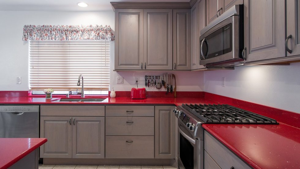 Kitchen countertop natural quartz stone red color