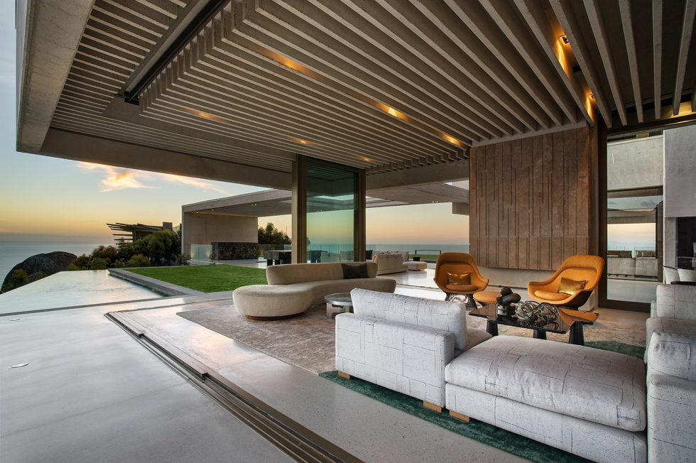 OVD 919 Villa At The Root Of Lion Head Mountain In South Africa From SAOTA Studio 11
