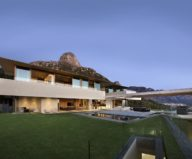 OVD 919 Villa At The Root Of Lion Head Mountain In South Africa From SAOTA Studio 6