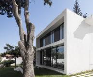 Oeiras House in Portugal from Joao Tiago Aguiar studio 16