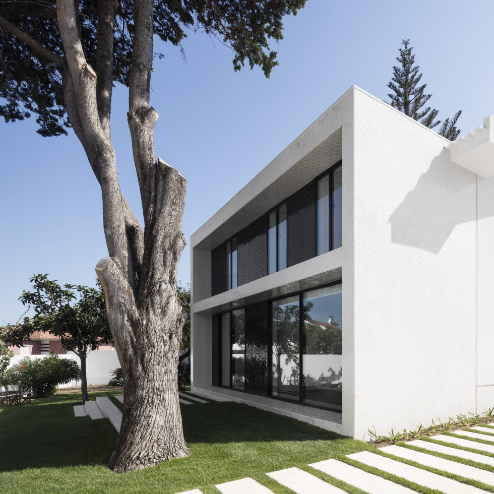 Oeiras House in Portugal from Joao Tiago Aguiar studio 16