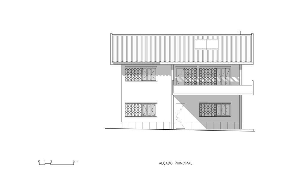 Oeiras House in Portugal from Joao Tiago Aguiar studio 37