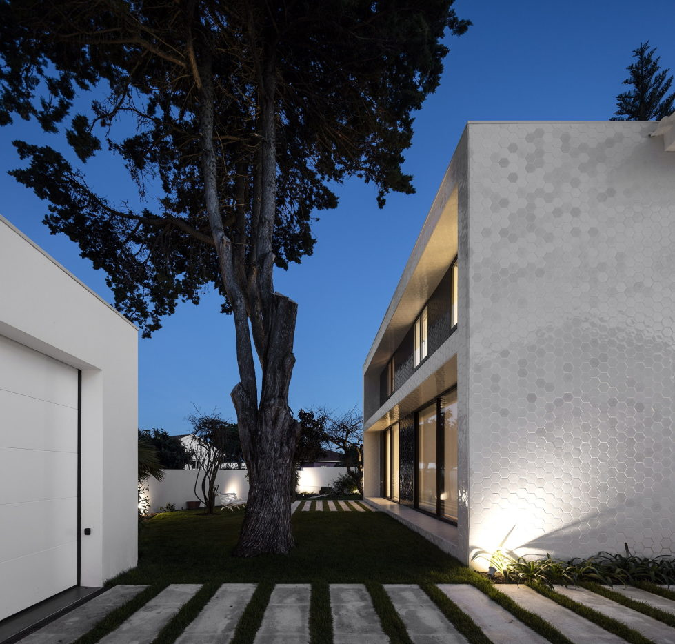 Oeiras House in Portugal from Joao Tiago Aguiar studio 4