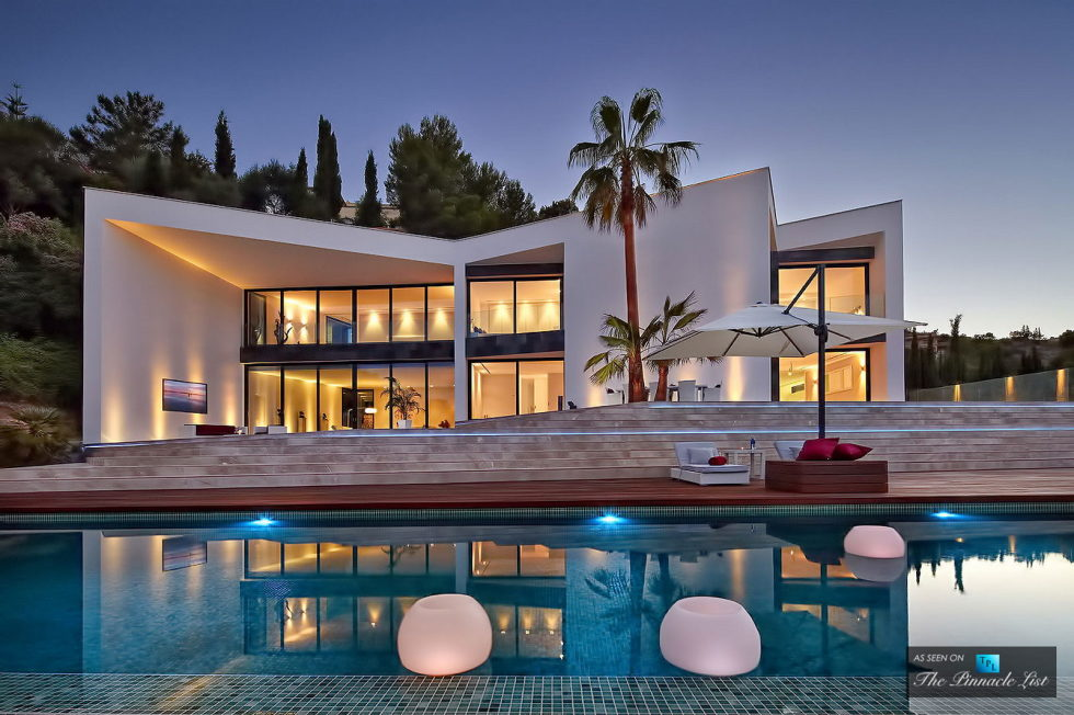 Origami The Magnificent Villa In Spain 23