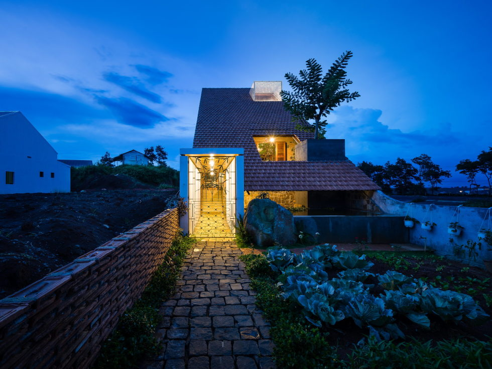 Uncle's House in Dalat, Vietnam upon the project of 3 Atelier 1
