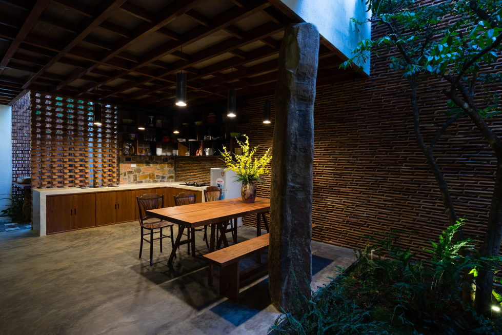 Uncle's House in Dalat, Vietnam upon the project of 3 Atelier 20