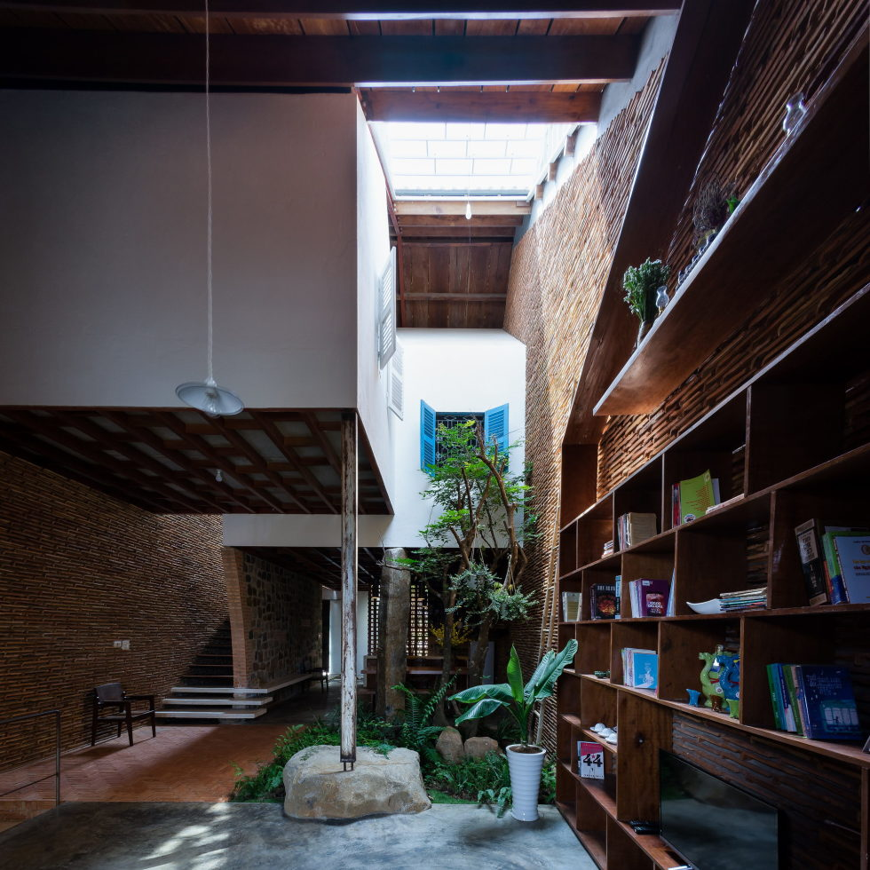 Uncle's House in Dalat, Vietnam upon the project of 3 Atelier 9