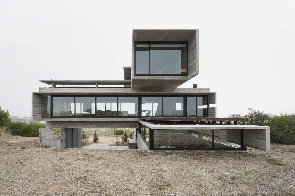 дом-гольф-дома--проект--Лучано-Крук-архитекторов-в-Аргентина-1