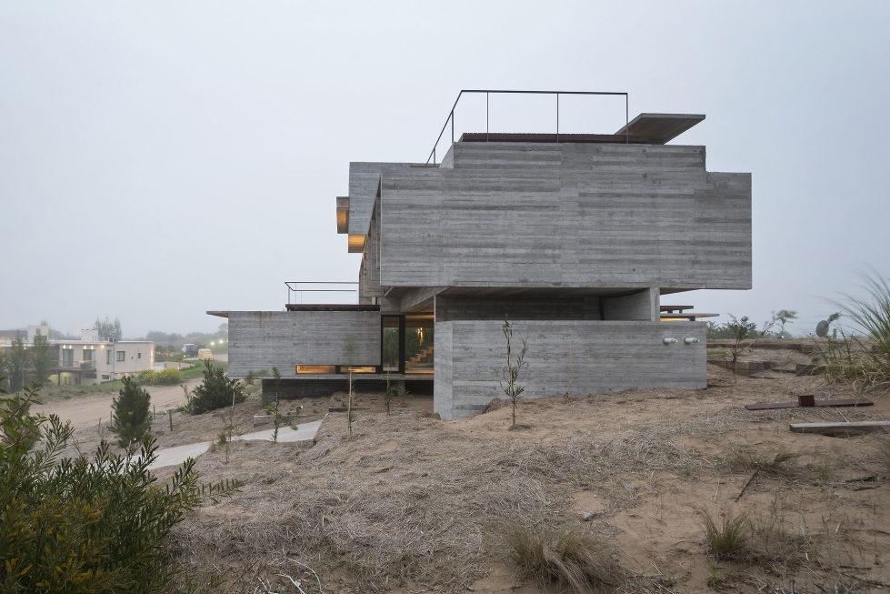 дом-гольф-дома--проект--Лучано-Крук-архитекторов-в-Аргентина-10
