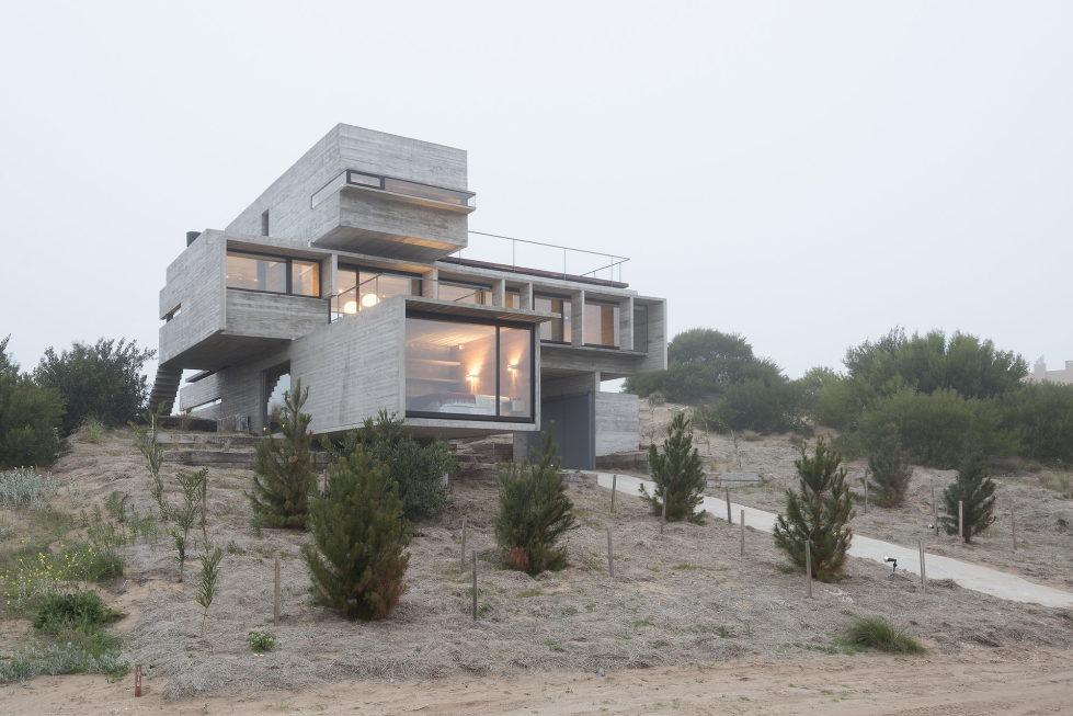 дом-гольф-дома--проект--Лучано-Крук-архитекторов-в-Аргентине-11
