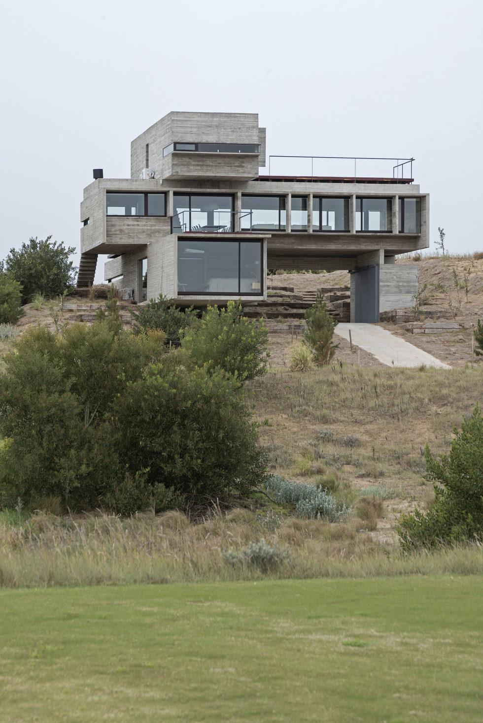 дом-гольф-дома--проект--Лучано-Крук-архитекторов-в-Аргентина-16