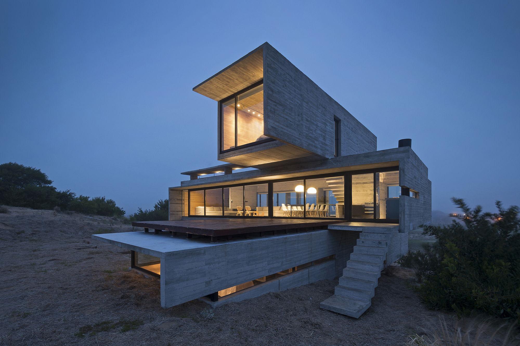 Casa Golf House: The Project Of Luciano Kruk Arquitectos