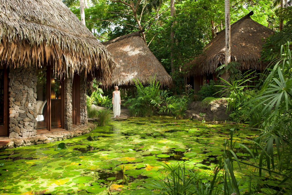 hotel-at-the-picturesque-private-laucala-island-in-the-pacific-ocean-23