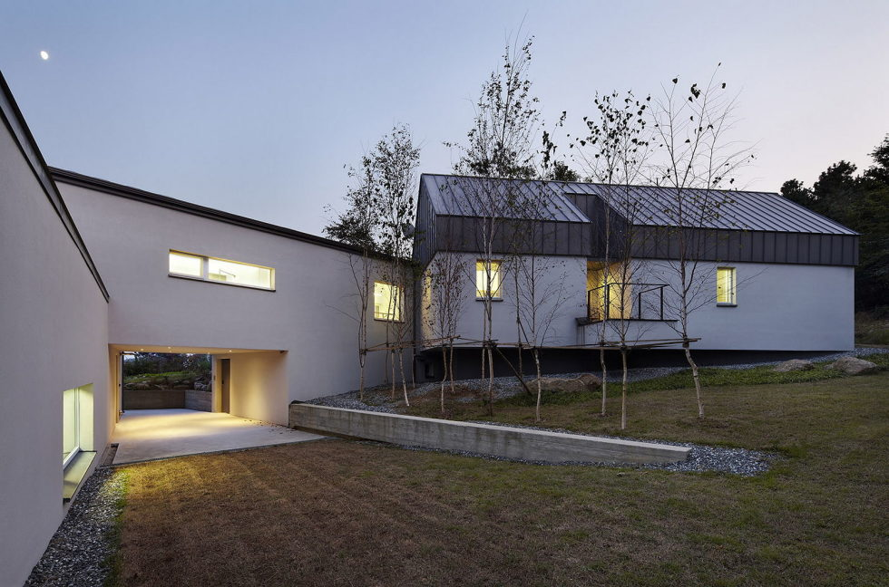 modern-country-house-by-engineforce-architect-bureau-1