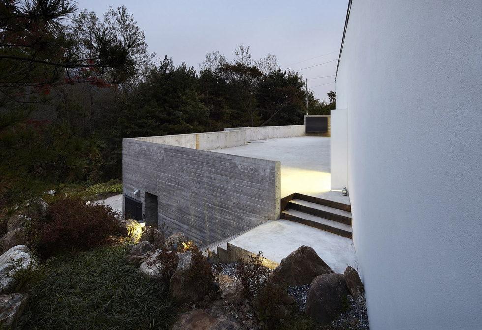 modern-country-house-by-engineforce-architect-bureau-3