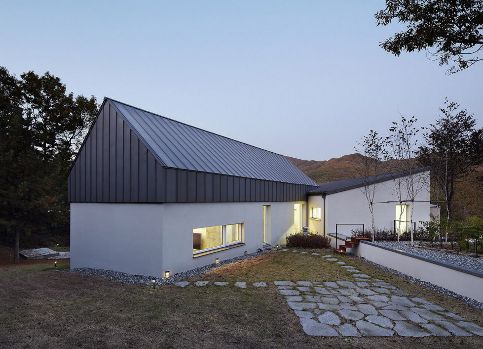 modern-country-house-by-engineforce-architect-bureau-6