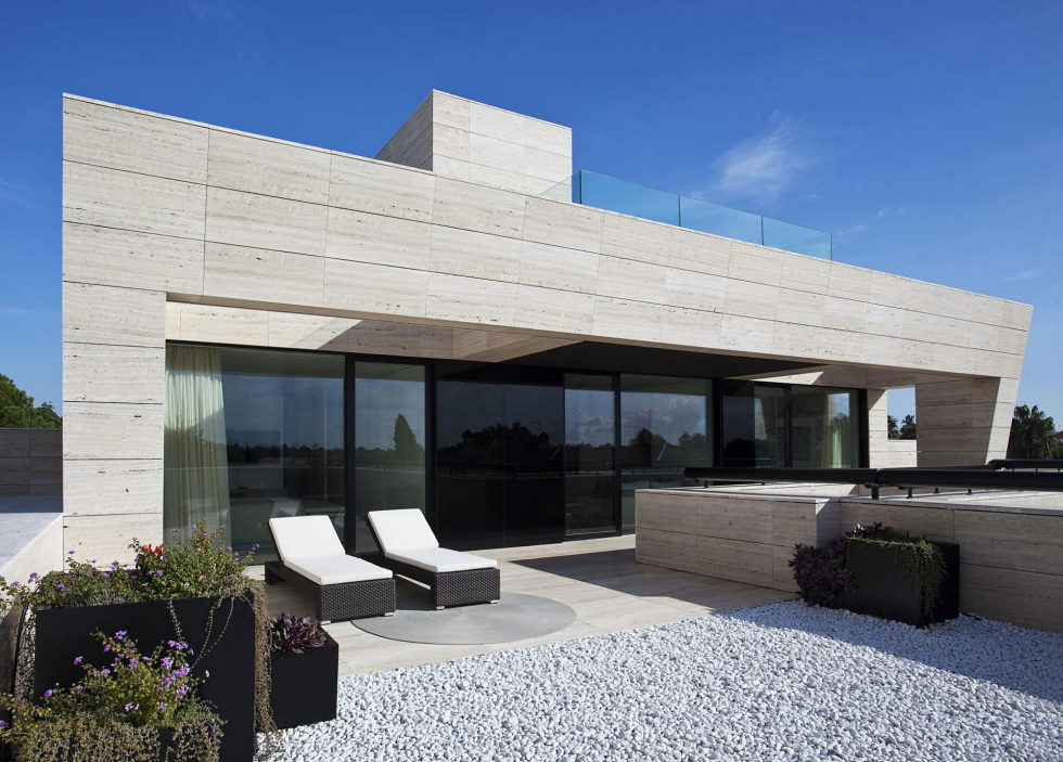 s-v-house-in-spain-from-a-cero-4