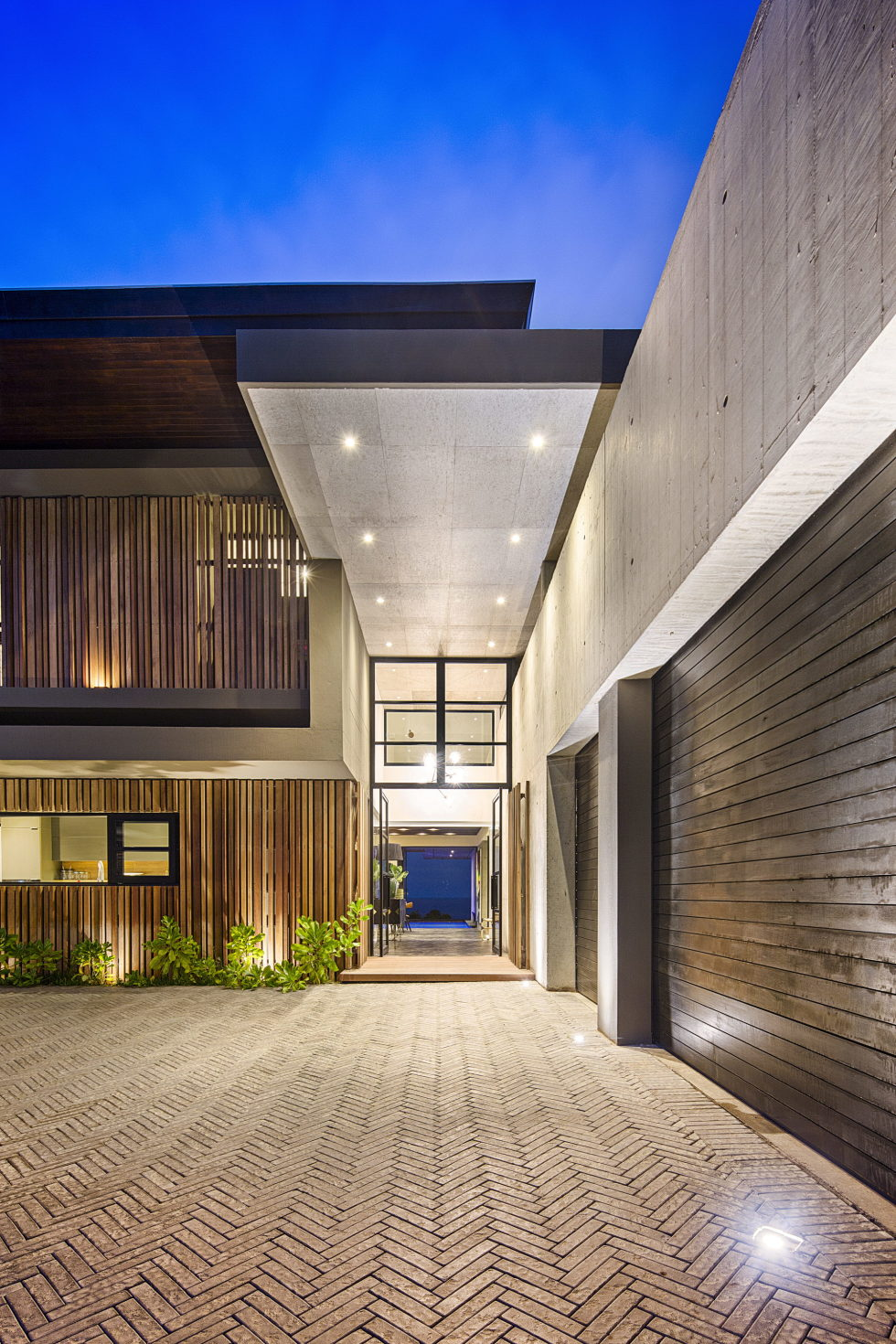 The Reserve An Ocean-Facing Residence In RSA 17