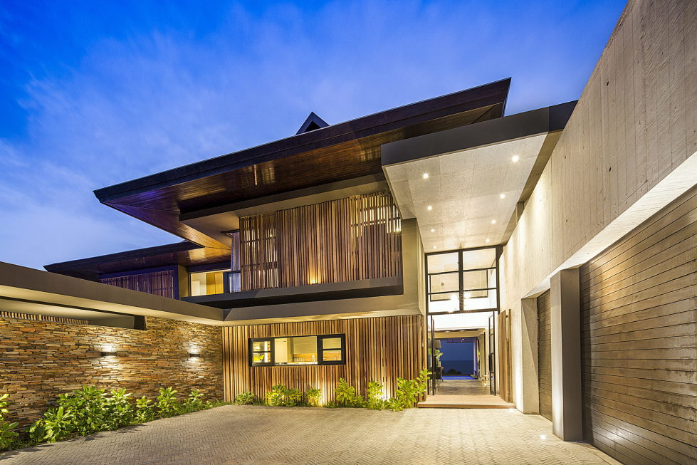 The Reserve An Ocean-Facing Residence In RSA 20