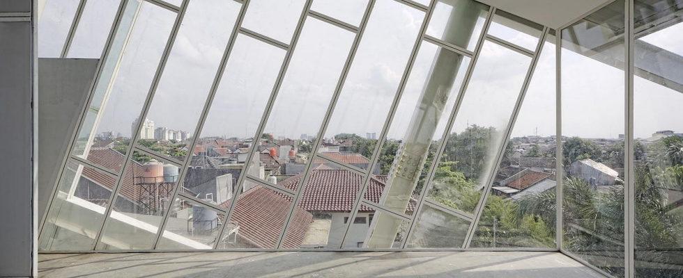 Unusual House In Jakarta 7