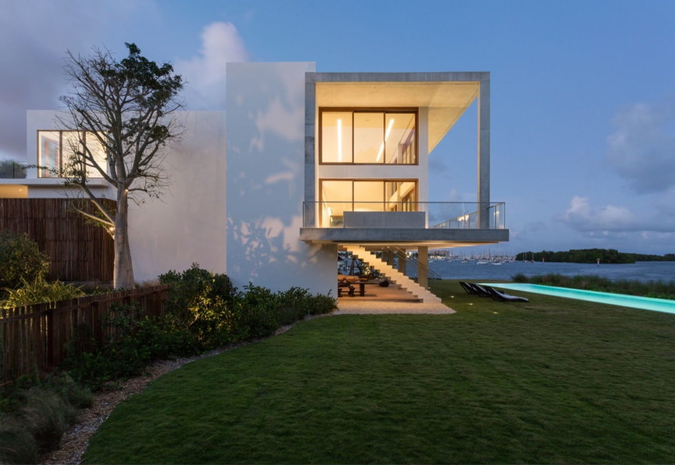 casa-bahia-the-villa-of-a-movie-director-in-miami-28