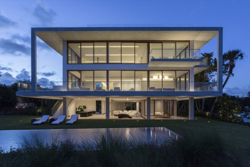 casa-bahia-the-villa-of-a-movie-director-in-miami-9