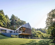 modern-house-instead-of-the-old-farm-in-vilnius-1