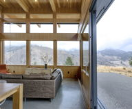 nahahum-the-cozy-house-aslope-the-hill-in-the-usa-12
