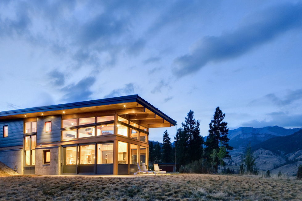 nahahum-the-cozy-house-aslope-the-hill-in-the-usa-19
