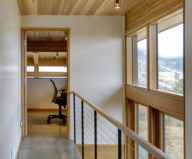 nahahum-the-cozy-house-aslope-the-hill-in-the-usa-20